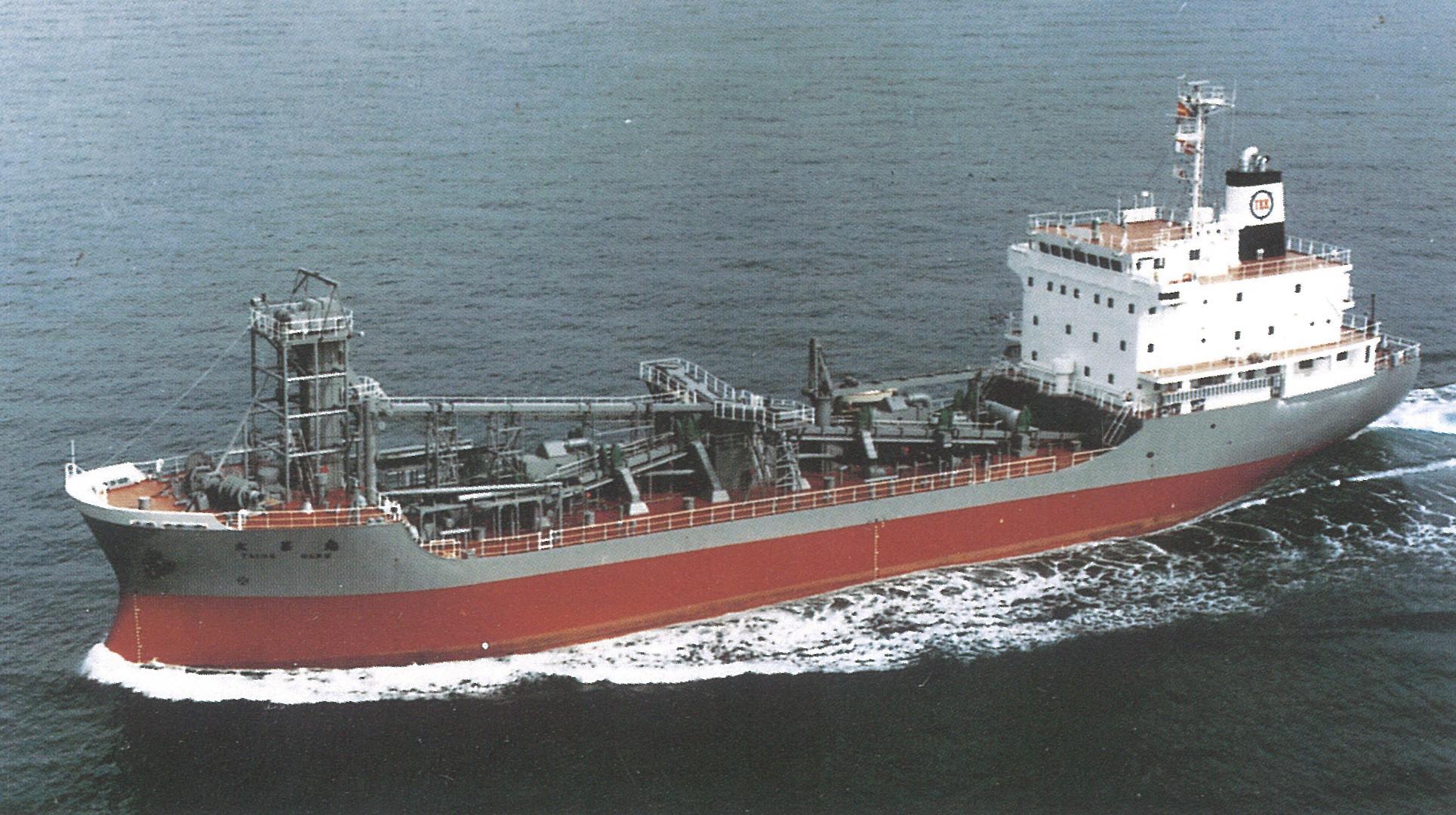 セメントタンカー船荷役設備